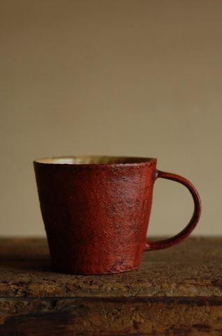 陶器のマグカップの一例の画像
