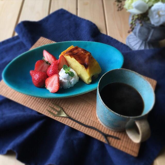 ターコイズマグを食卓で使った画像