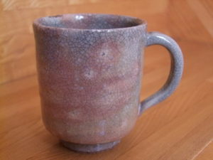貫入の入ったマグカップの画像