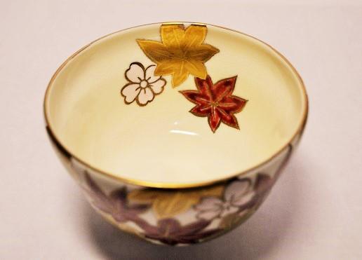 厚みの薄い抹茶碗の画像