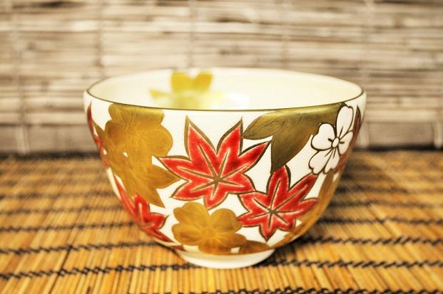 色絵の抹茶碗の画像