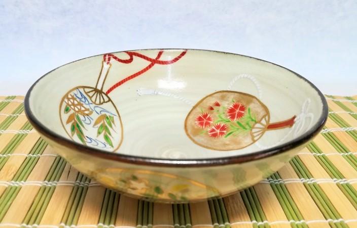 団扇絵柄の夏茶碗の画像