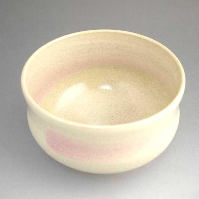 ピンク刷毛目抹茶碗の画像