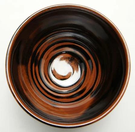 瀬戸焼抹茶碗の内側の画像