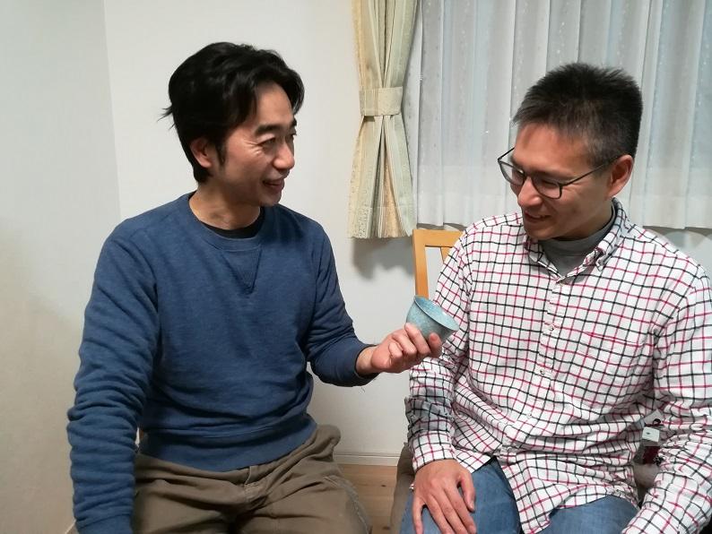 筆者と岩本瑞松さんの息子さんの画像