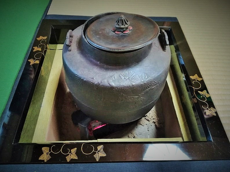 炉と釜の画像