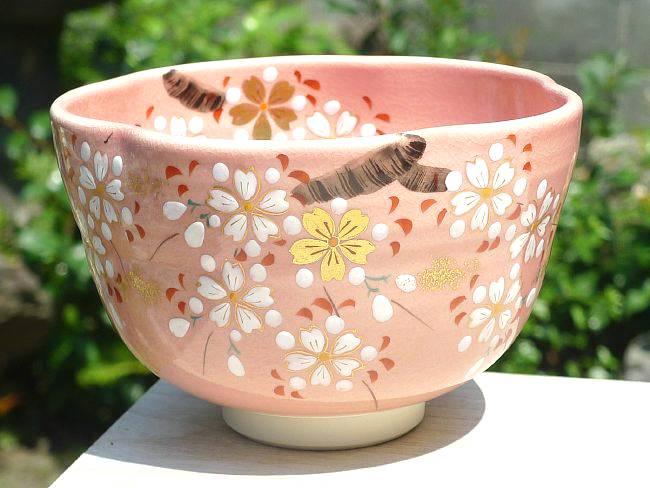 色絵桜抹茶碗の画像