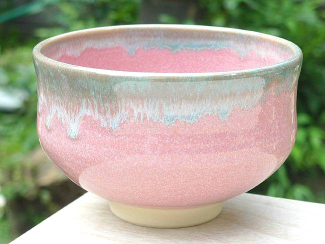 ピンク織部緑抹茶碗の画像