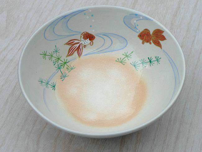 平茶碗金魚の茶碗内側の絵柄の画像