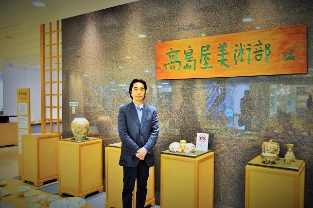 高島屋美術部の会場での代表者の画像