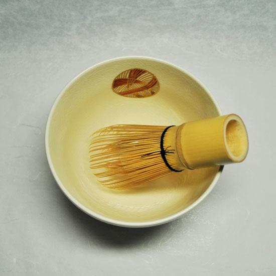 抹茶碗手まりと茶せんの画像