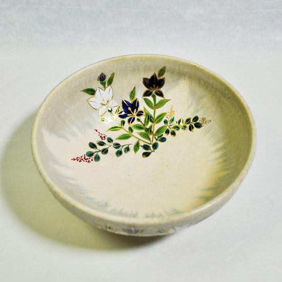 平茶碗桔梗のななめ上から見た画像