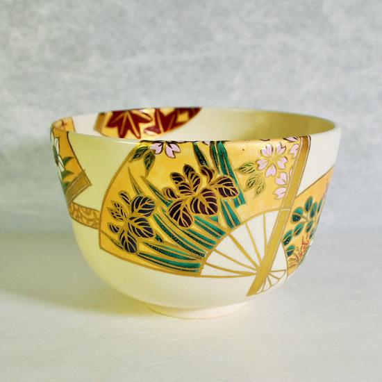 抹茶碗扇面四季の左のアヤメの画像
