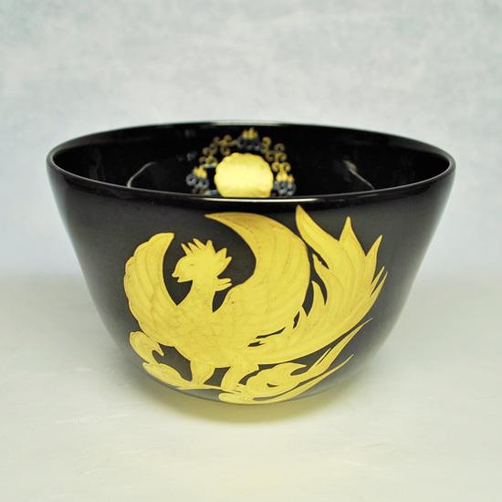 抹茶碗黒釉金彩鳳凰の正面の画像