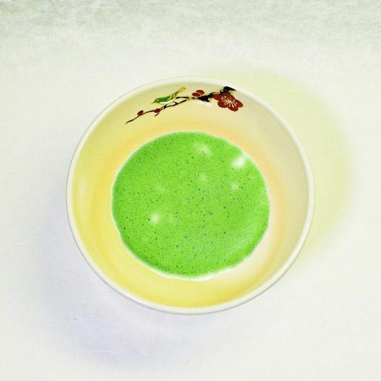 抹茶碗仁清紅白梅にうぐいすと抹茶碗の画像